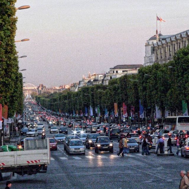 Deposito bagagli a Champs Elysees