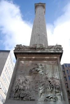Luggage storage Monument to the Great Fire of London